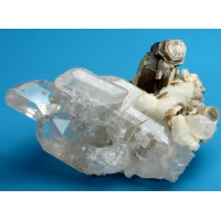 Topaz on albite with muscovite