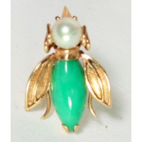 Jadeite and pearl tie tack with 14Kt Gold