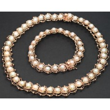 Cultured Pearls in 14Kt gold, Bracelet and Necklace